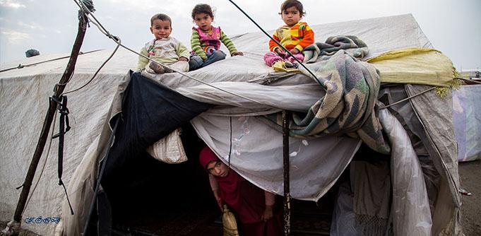 Vad finns det i överfullt flyktingläger ?
